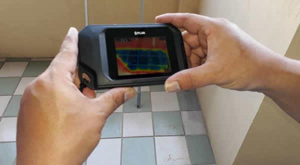屏東市浴室和天花板漏水抓漏-熱像儀檢測